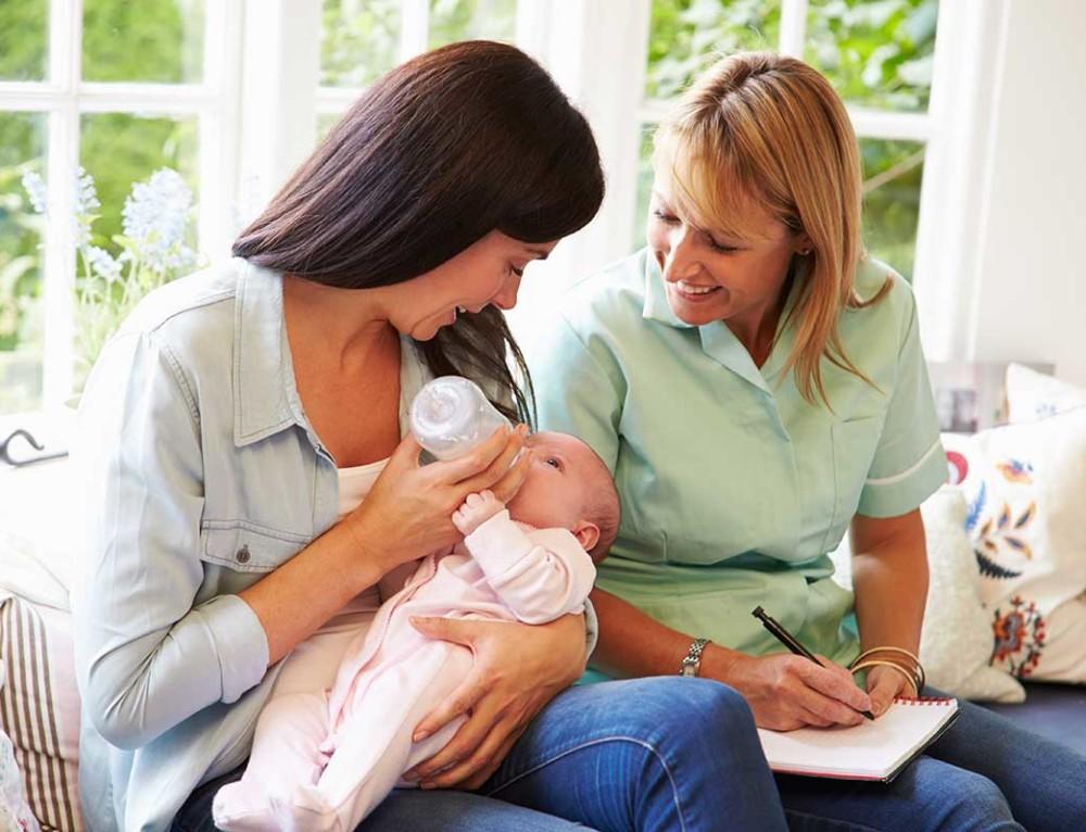 Oferta de empleo: Expertas en cuidados para recién nacidos.